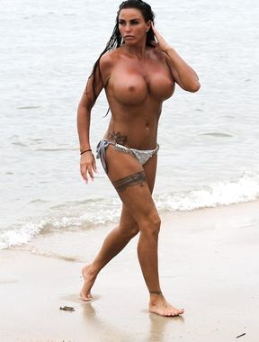 Katie Price big nude boobs in high definition