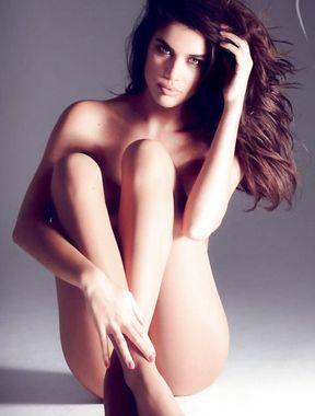 Sara Sampaio nude and sexy