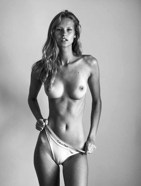 Mariina Keskitalo - Fully Nude And Pussy Exposed!