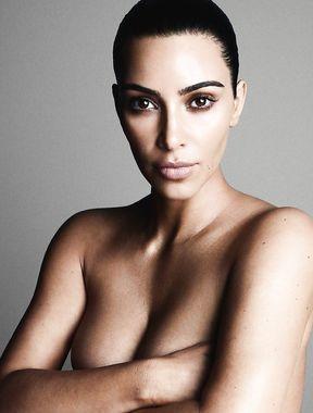Kim Kardashian shows tits and pussy