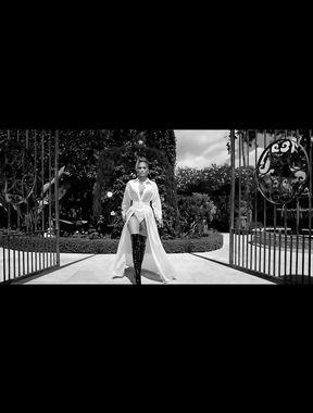 Jennifer Lopez ultimate milf goes nude
