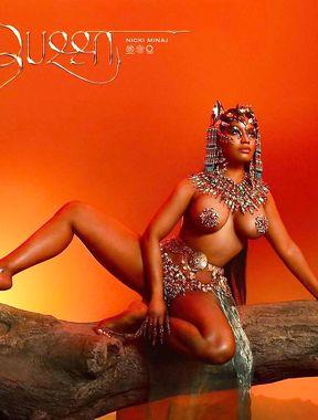 Nicki Minaj topless and naked selfies