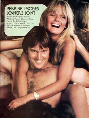 Valerie Perrine shows naked boobs