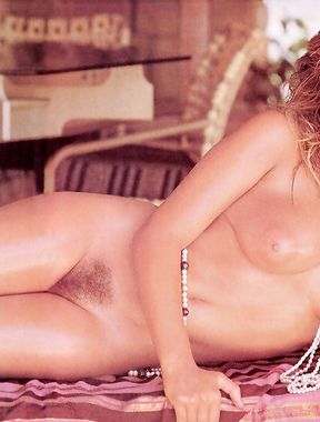 Samantha Fox nude pics