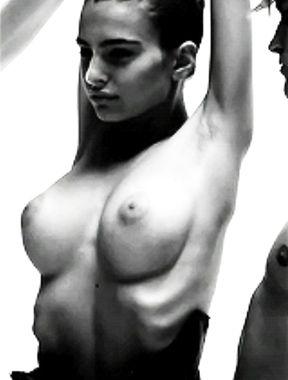 Emily Ratajkowski pussy and boobs exposed