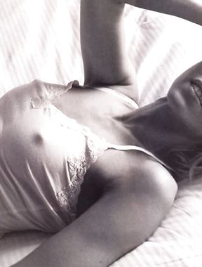 Naomi Watts nipples
