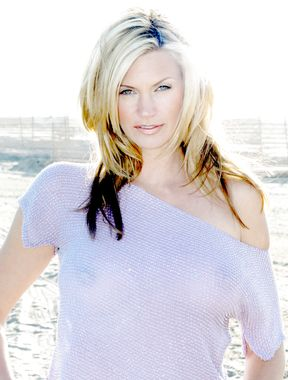 Natasha Henstridge nipples