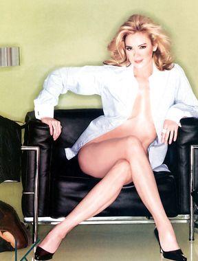 Kim Cattrall topless