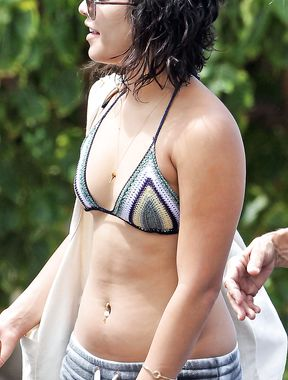 Vanessa Anne Hudgens and her belly button